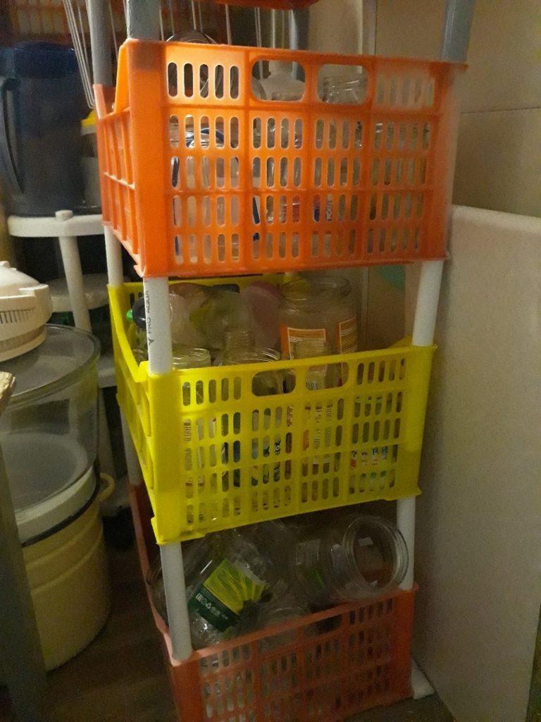 Оборотные пластиковые ящики решетчатые для хранения - стеллаж